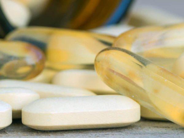 Imagem de comprimidos de vitaminas B.