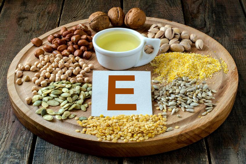 Imagem de alimentos ricos em vitamina E.