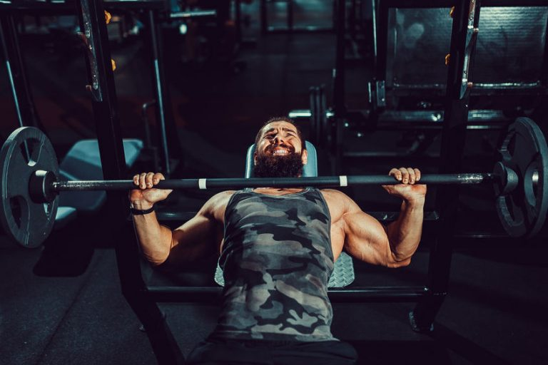 guy lifting weight