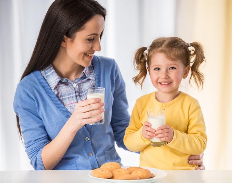 mãe e filha, alimentação saudável