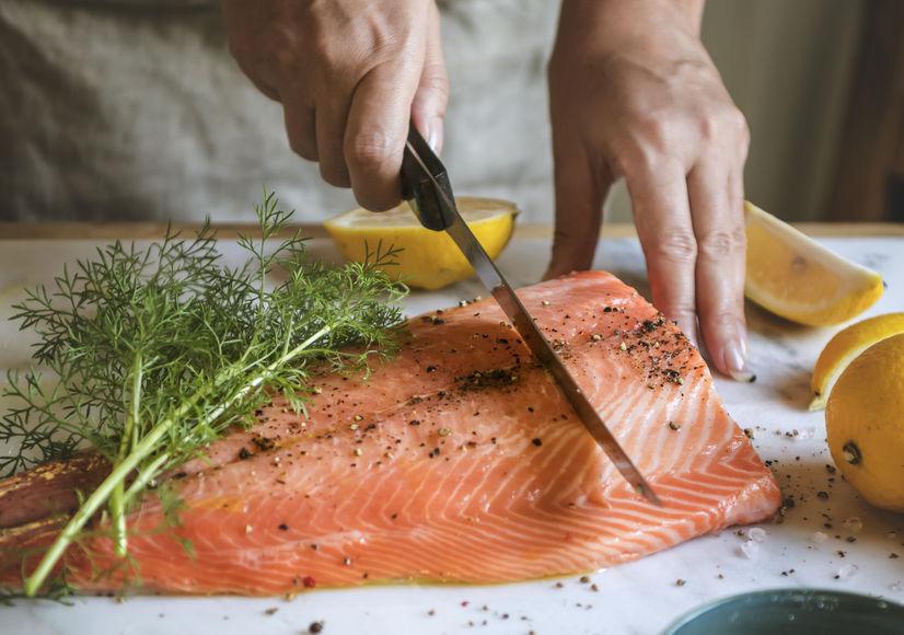 filé de salmão preparado de forma saudável