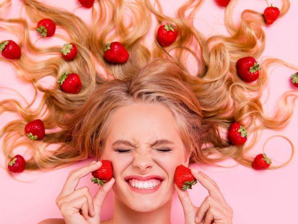 meninas com frutas