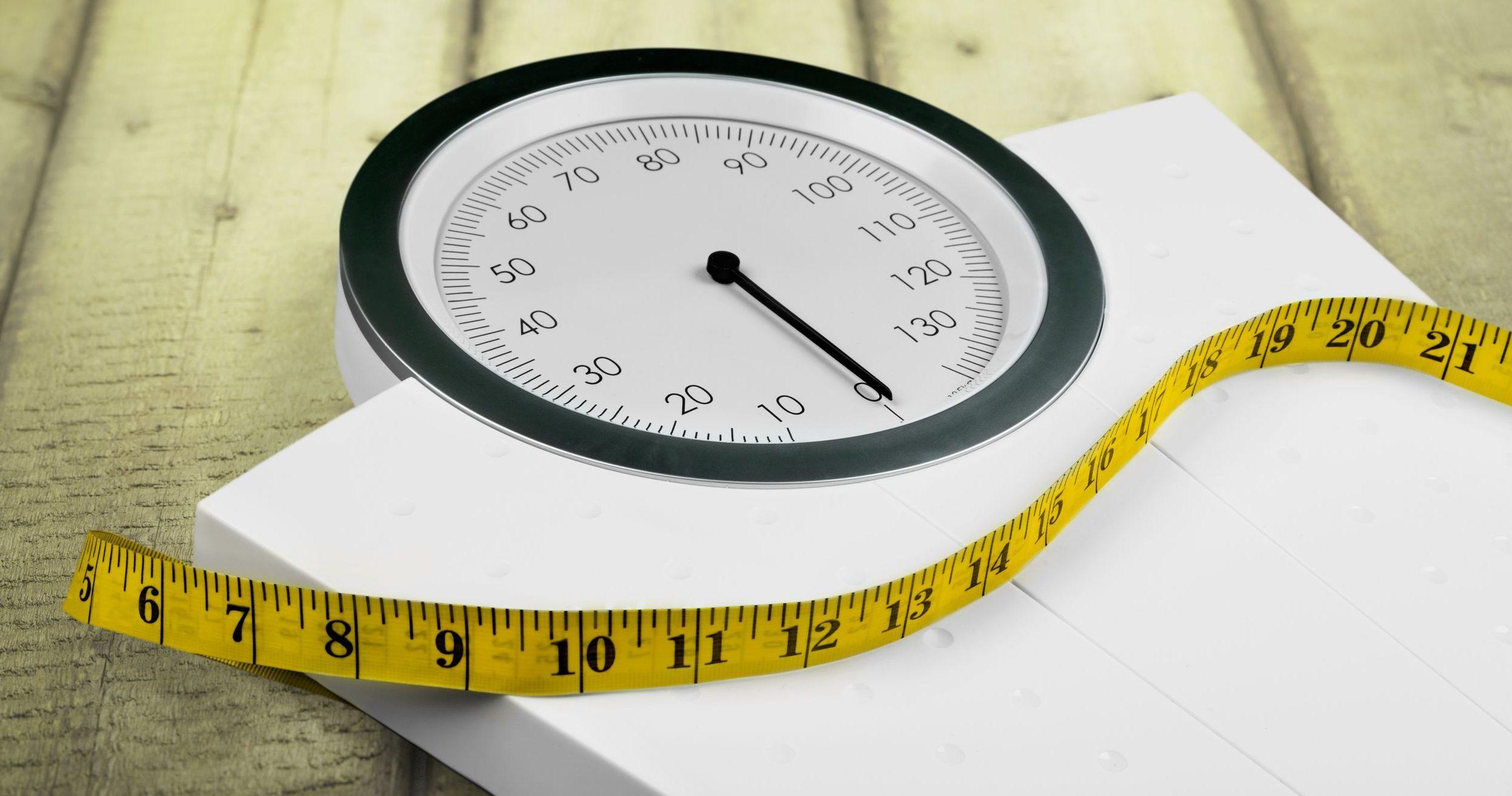 escala e fita métrica