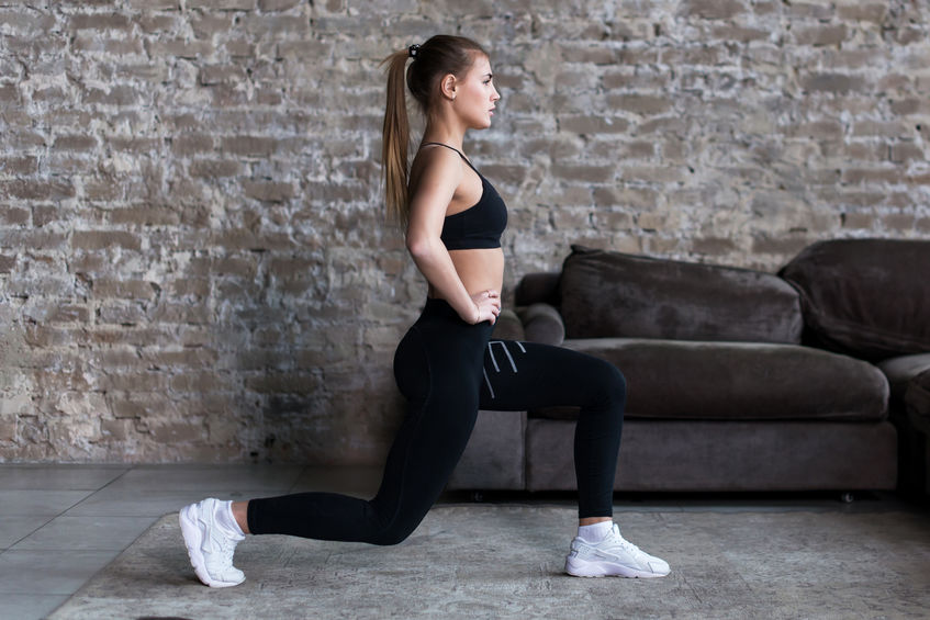 menina se exercitando